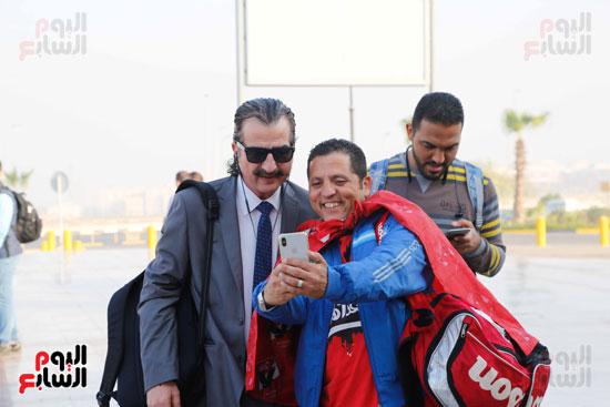 مغادرة الجمهور المصرى لتونس (5)