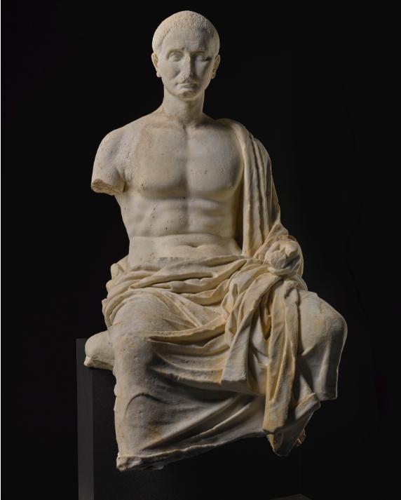 تمثال الشاعر الرومانى  (4)