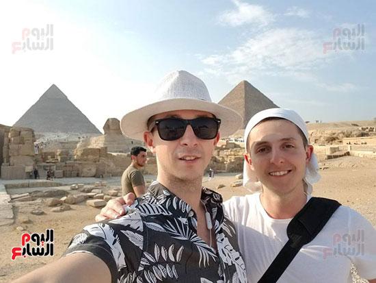 أرثر-فى-زيارة-مصر-والمشاركة-فى-منتدى-شباب-العالم-(7)