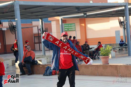 مغادرة الجمهور المصرى لتونس (2)