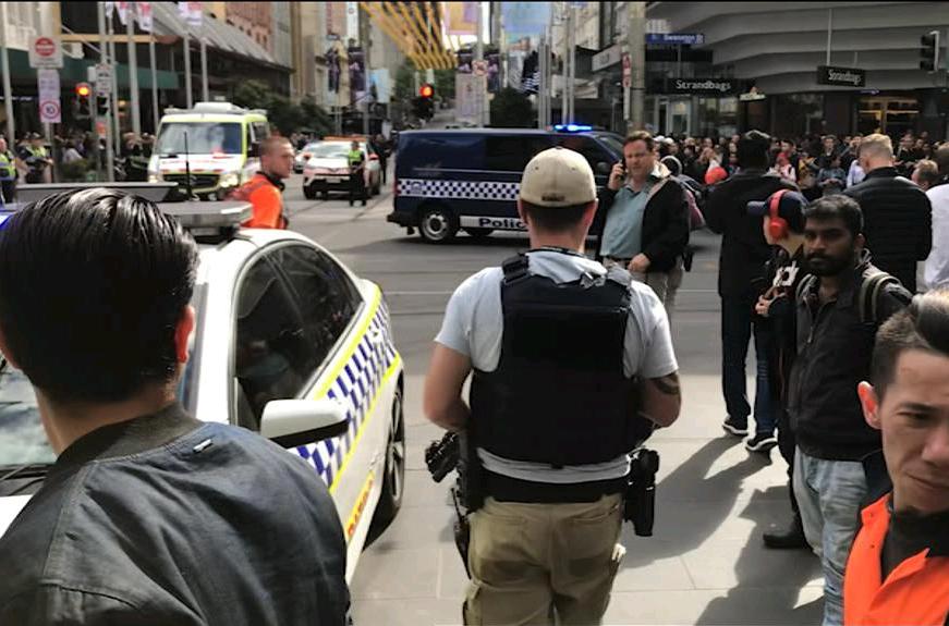 1 - الشرطة فى هجوم ميلبورن