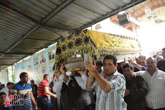 تشييع جثمان الإعلامية نادية صالح (8)