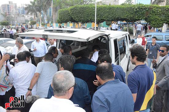 تشييع جثمان الإعلامية نادية صالح (4)