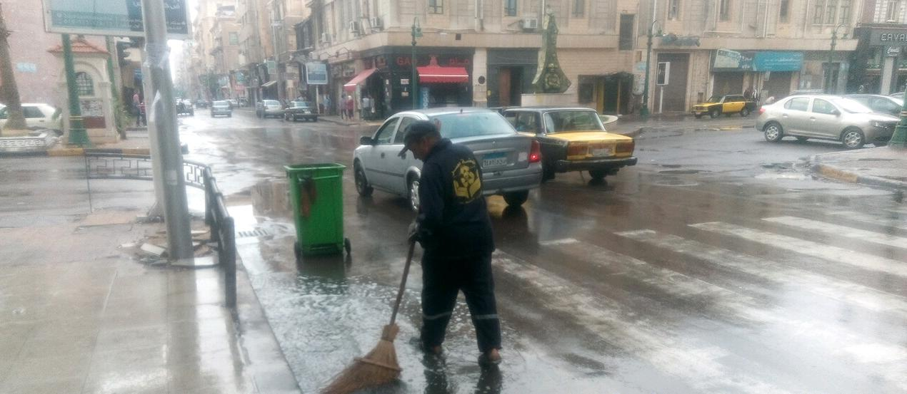 أمطار رعدية غزيرة فى مناطق متفرقة بالاسكندرية  (1)