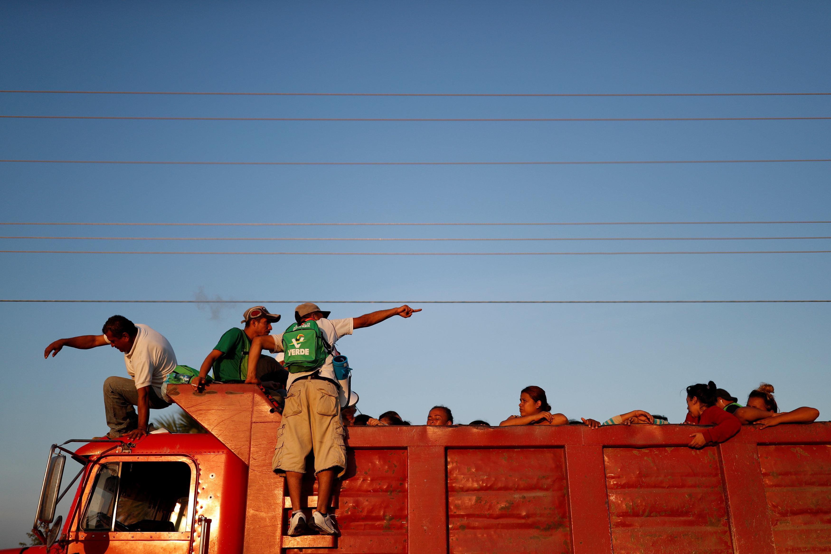 قافلة المهاجرين تواصل تقدمها تجاه أمريكا (2)