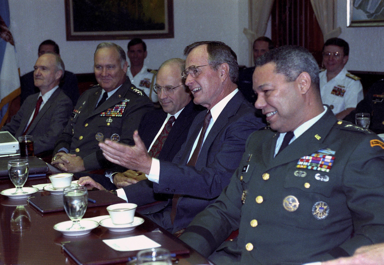 جورج بوش الأب  الرئيس الأمريكى الأسبق  (6)