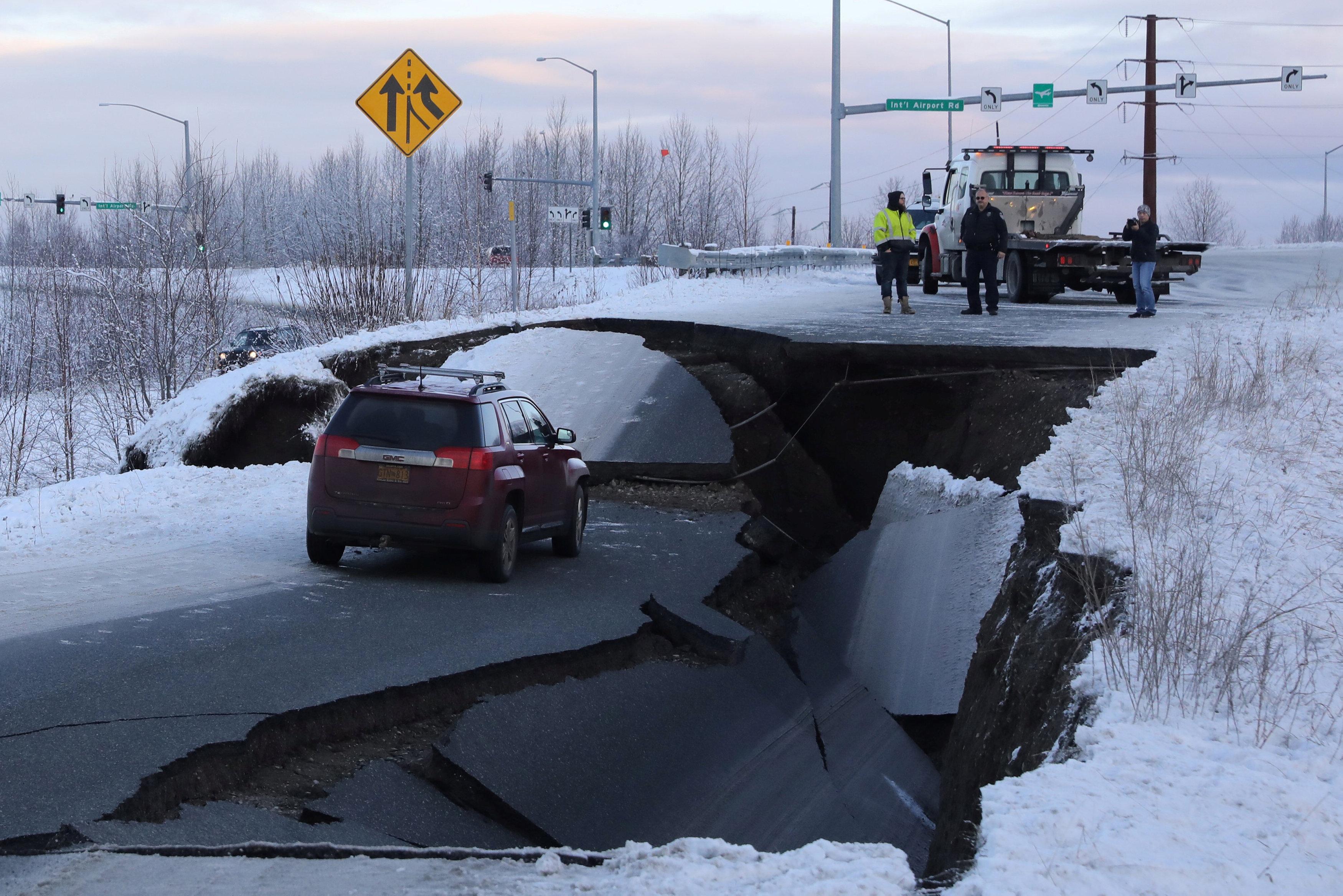 زلزال عنيف فى ألاسكا  (7)