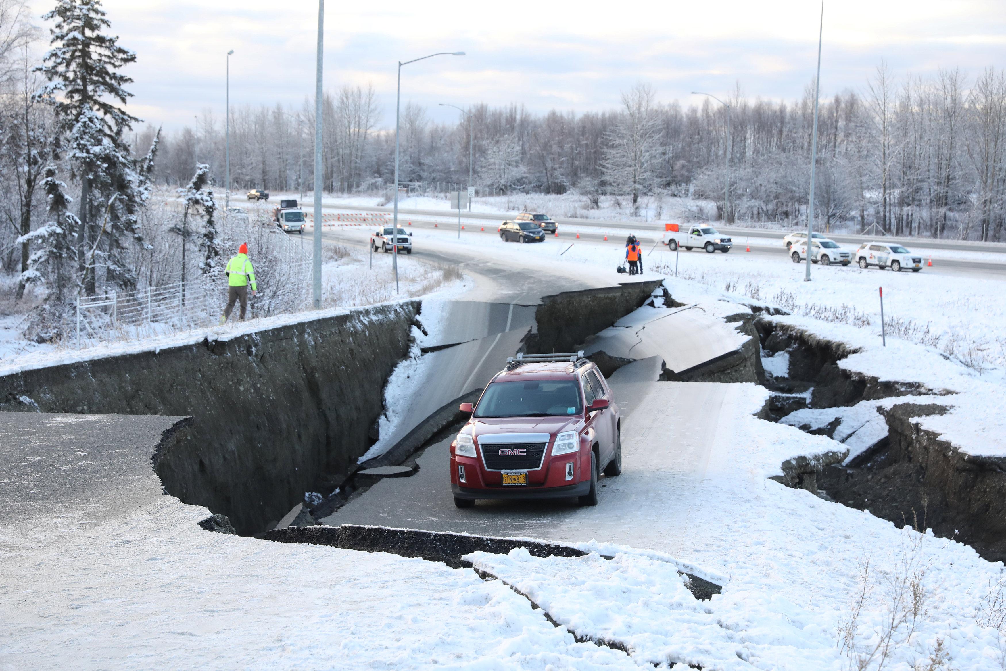 زلزال عنيف فى ألاسكا  (4)