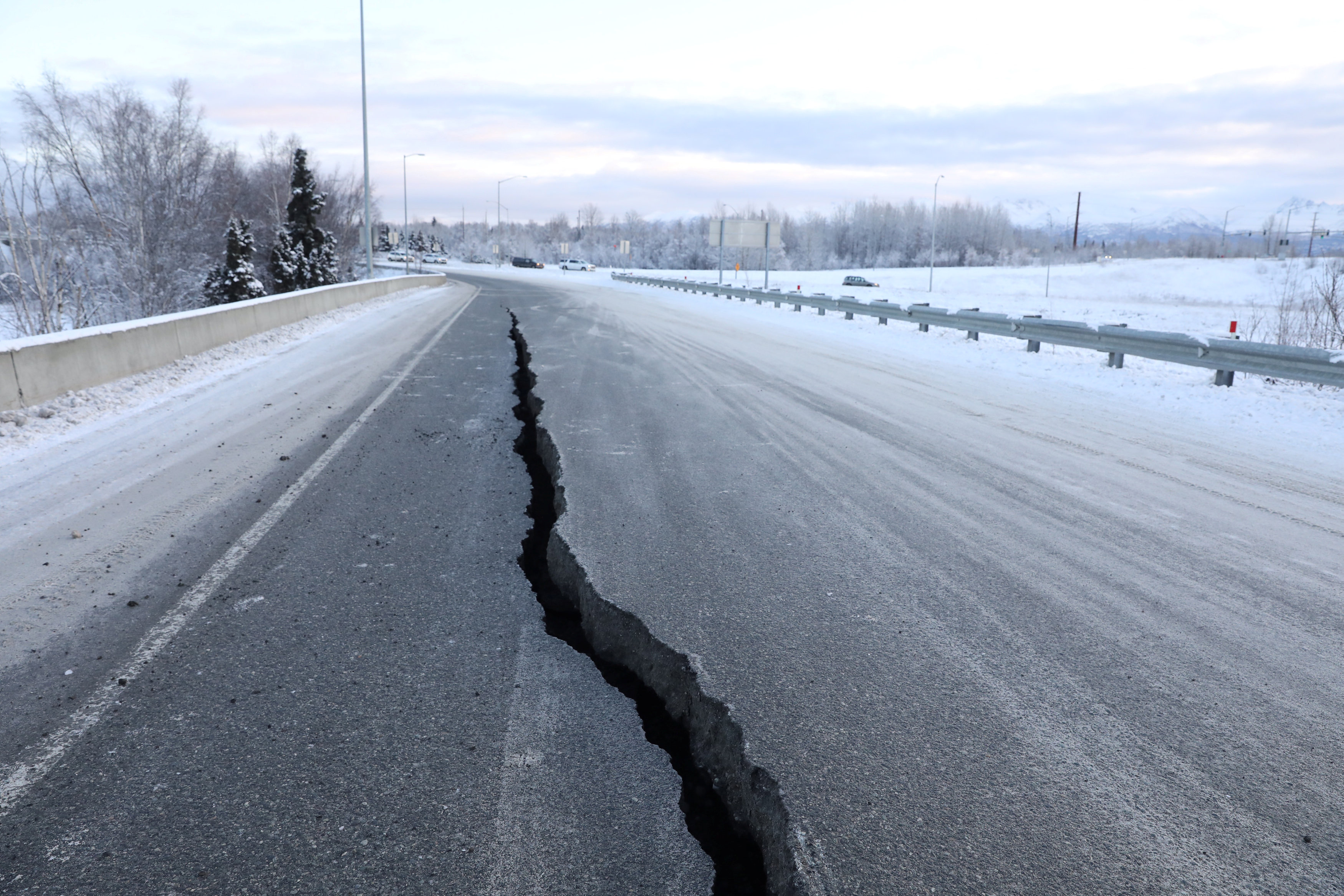زلزال عنيف فى ألاسكا  (9)