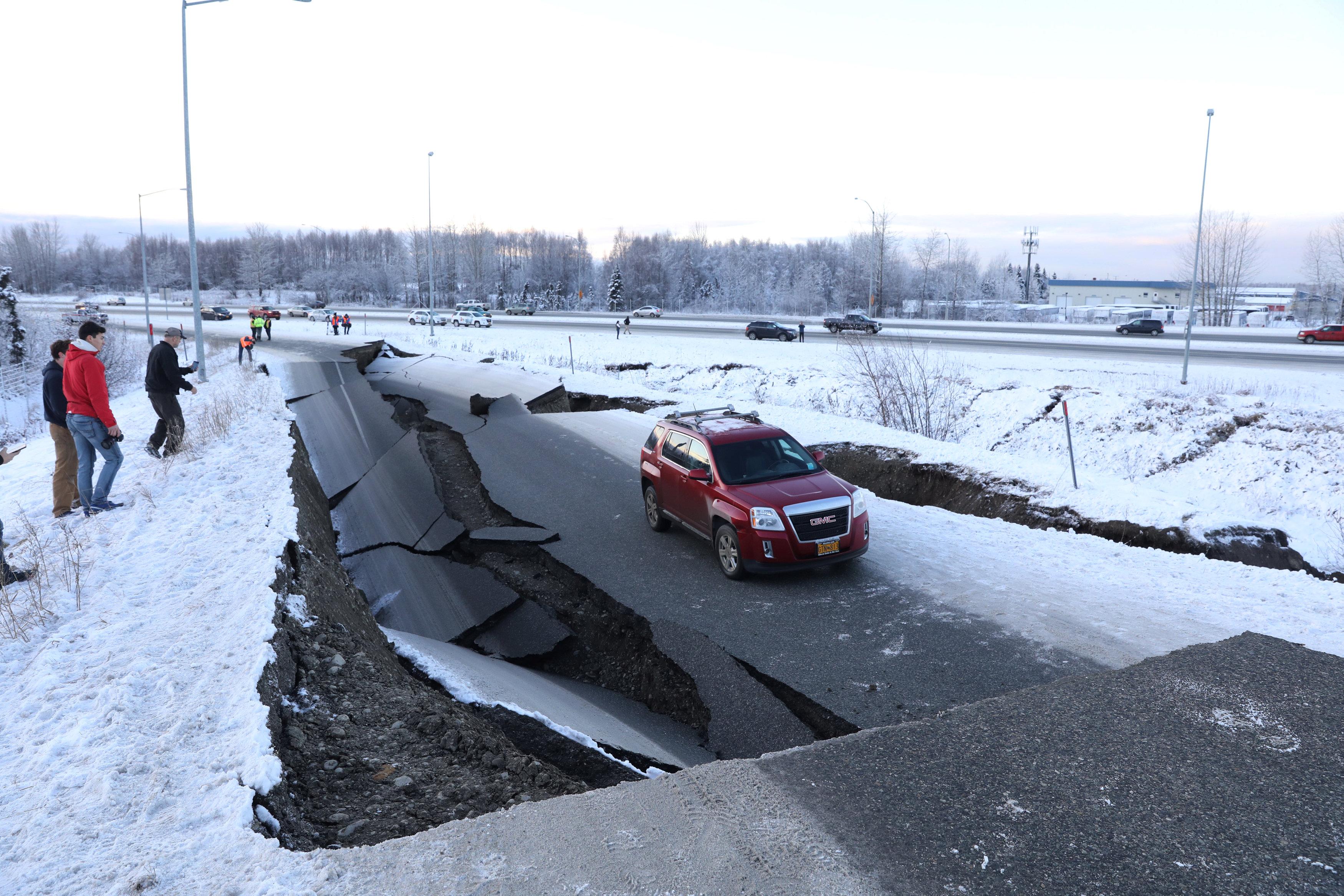 زلزال عنيف فى ألاسكا  (8)