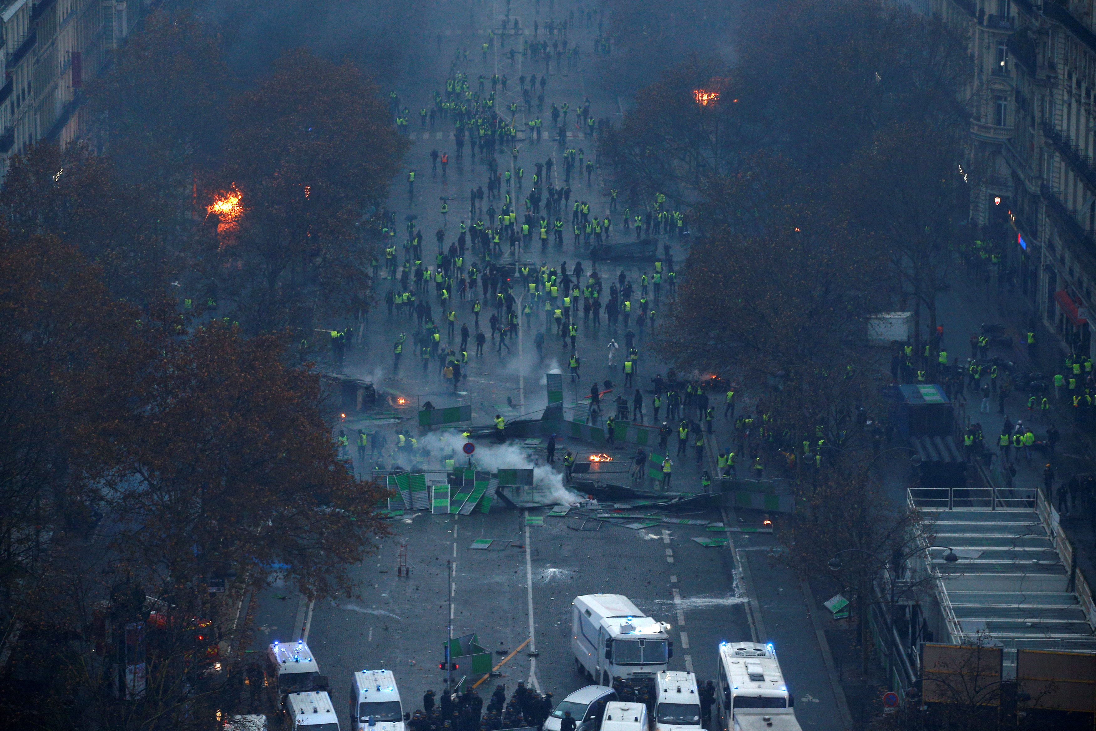 2018-12-01T161219Z_415777677_RC14B99FAE60_RTRMADP_3_FRANCE-PROTESTS