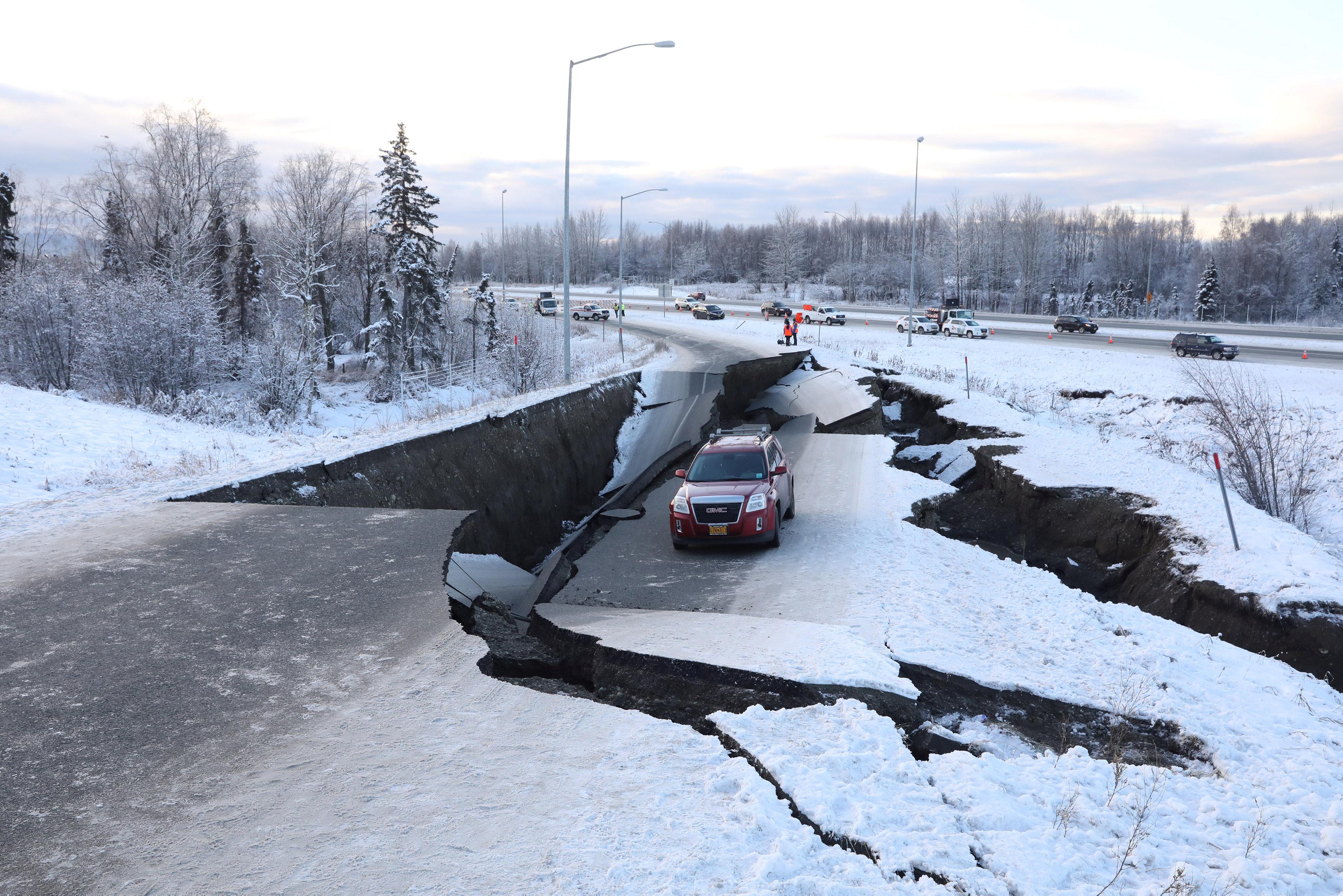 زلزال عنيف فى ألاسكا  (5)