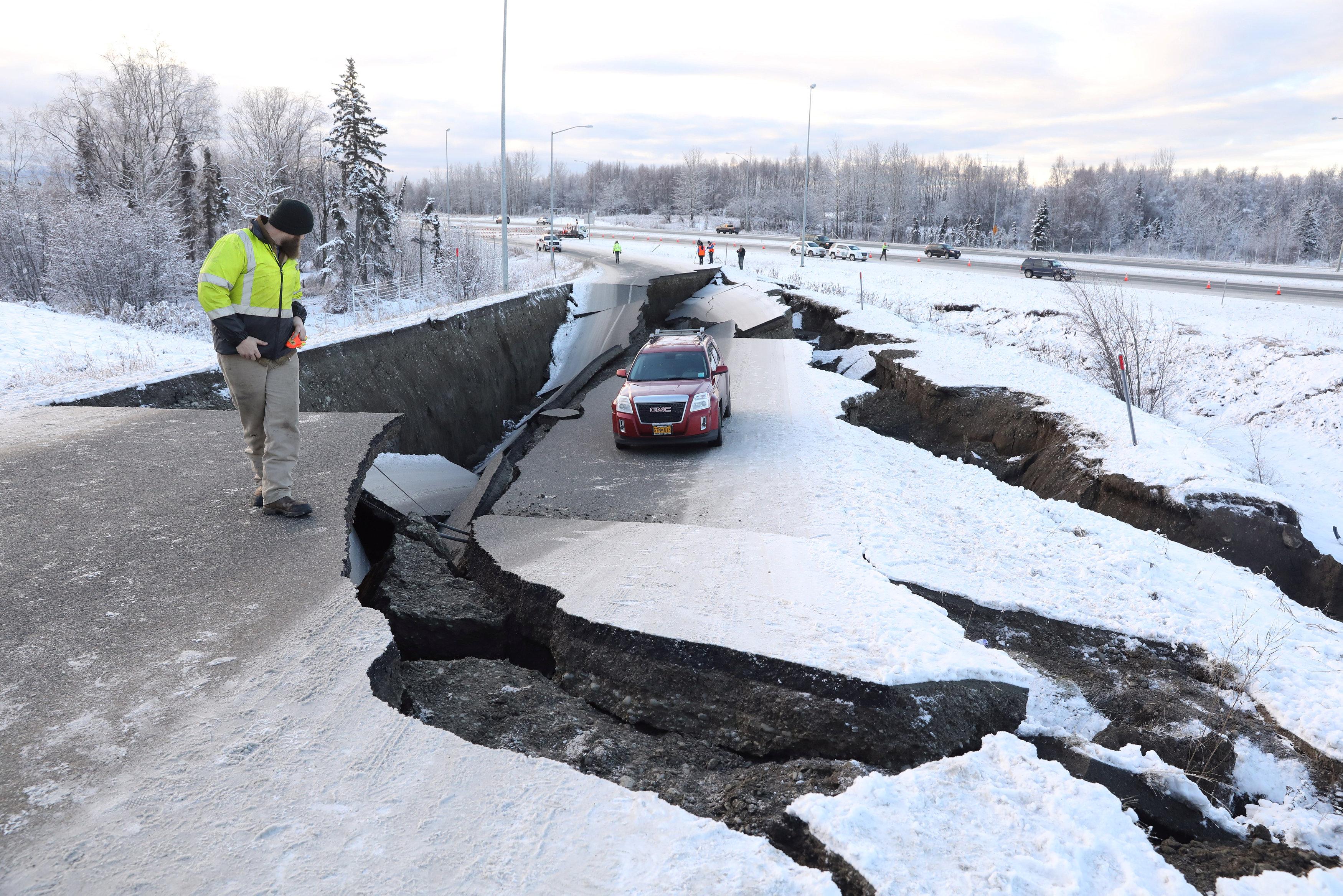 زلزال عنيف فى ألاسكا  (6)