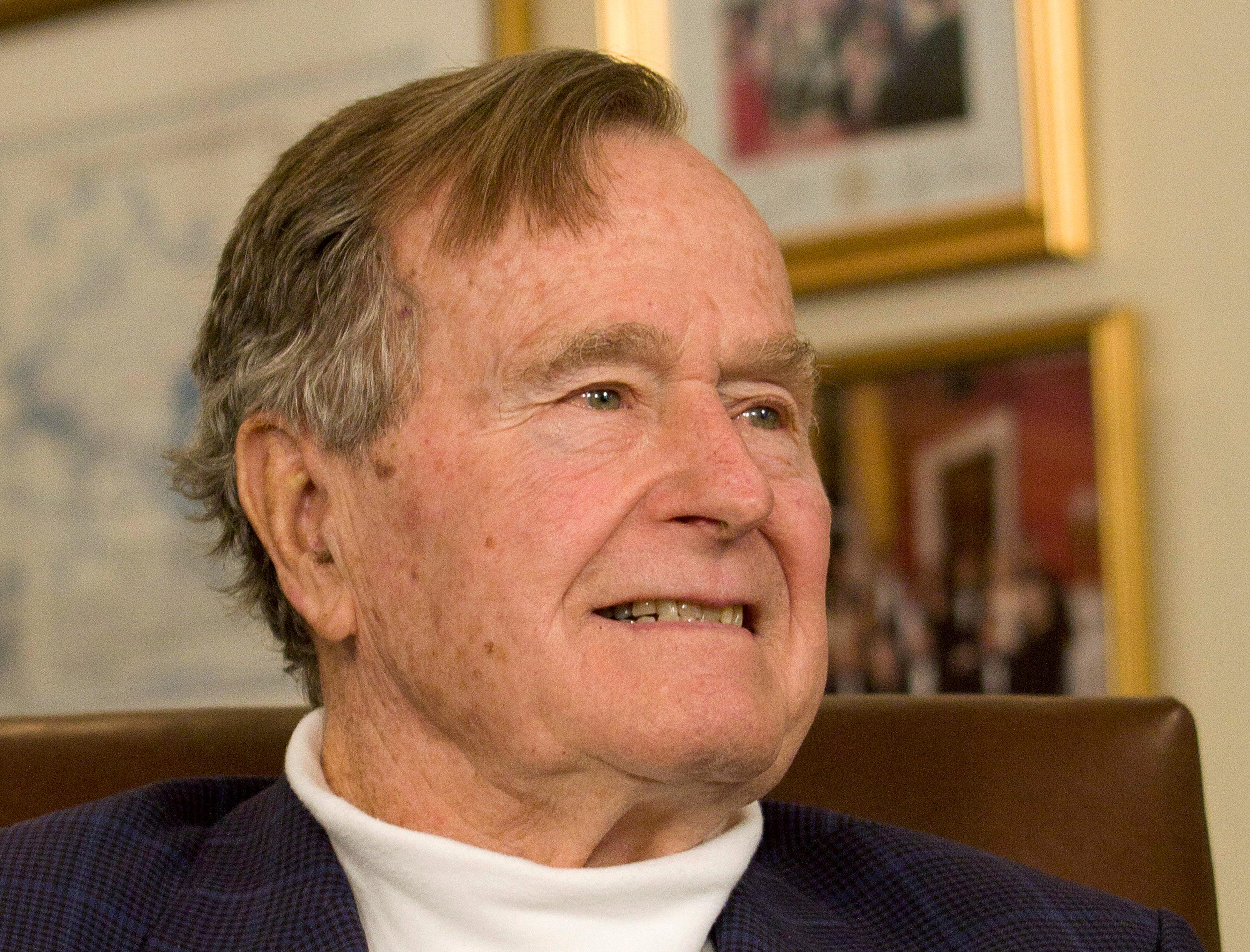 جورج بوش الأب  الرئيس الأمريكى الأسبق  (14)