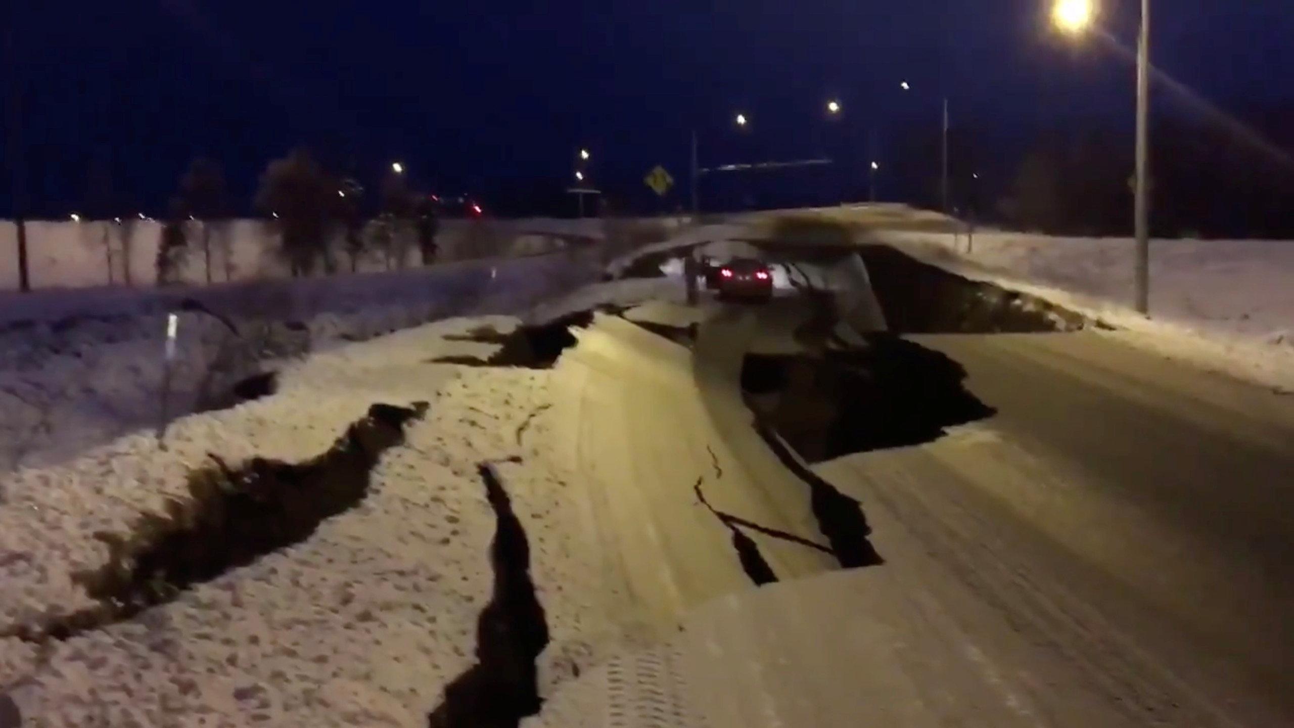 زلزال عنيف فى ألاسكا  (2)