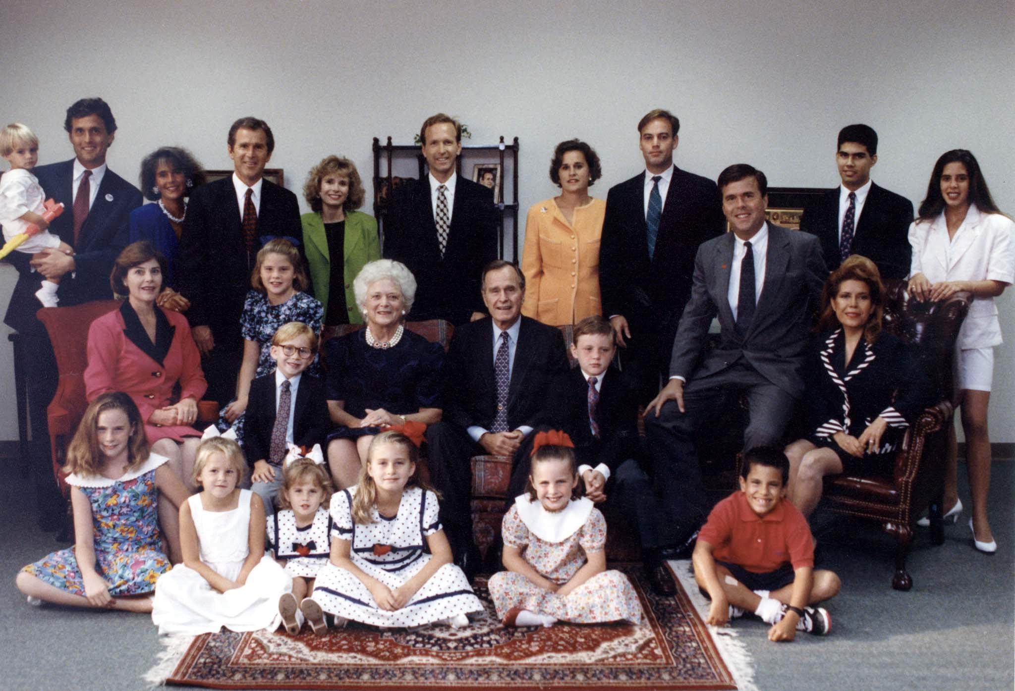 جورج بوش الأب  الرئيس الأمريكى الأسبق  (13)