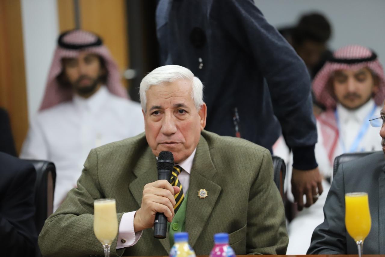 المستشار محمد عبداللطيف رئيس قطاع الامانة العامة (2)