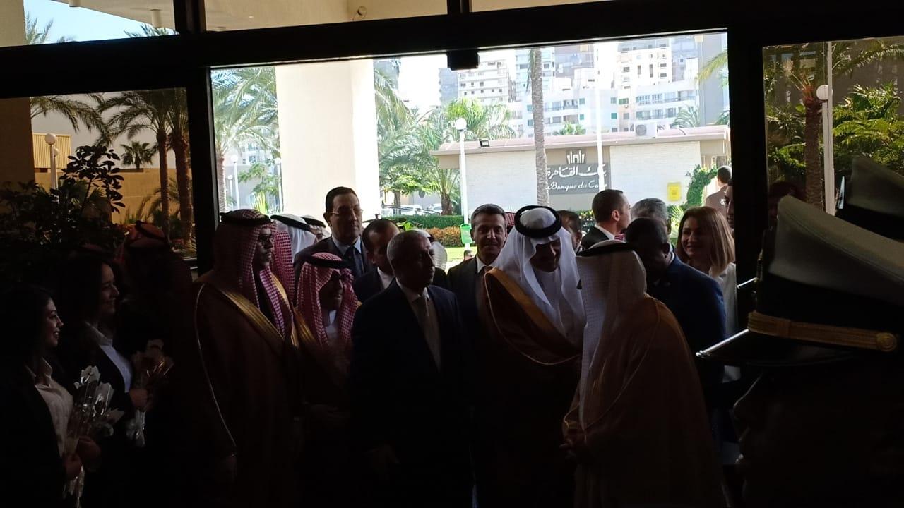 وصول الامير سلطان بن سلمان بن عبدالعزيز للأكاديمية العربية  (3)