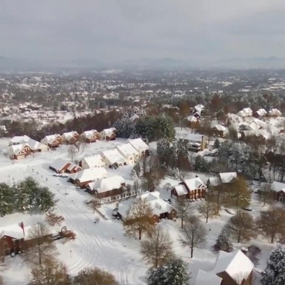 تساقط الثلوج بسبب الموجة الباردة فى أمريكا (7)