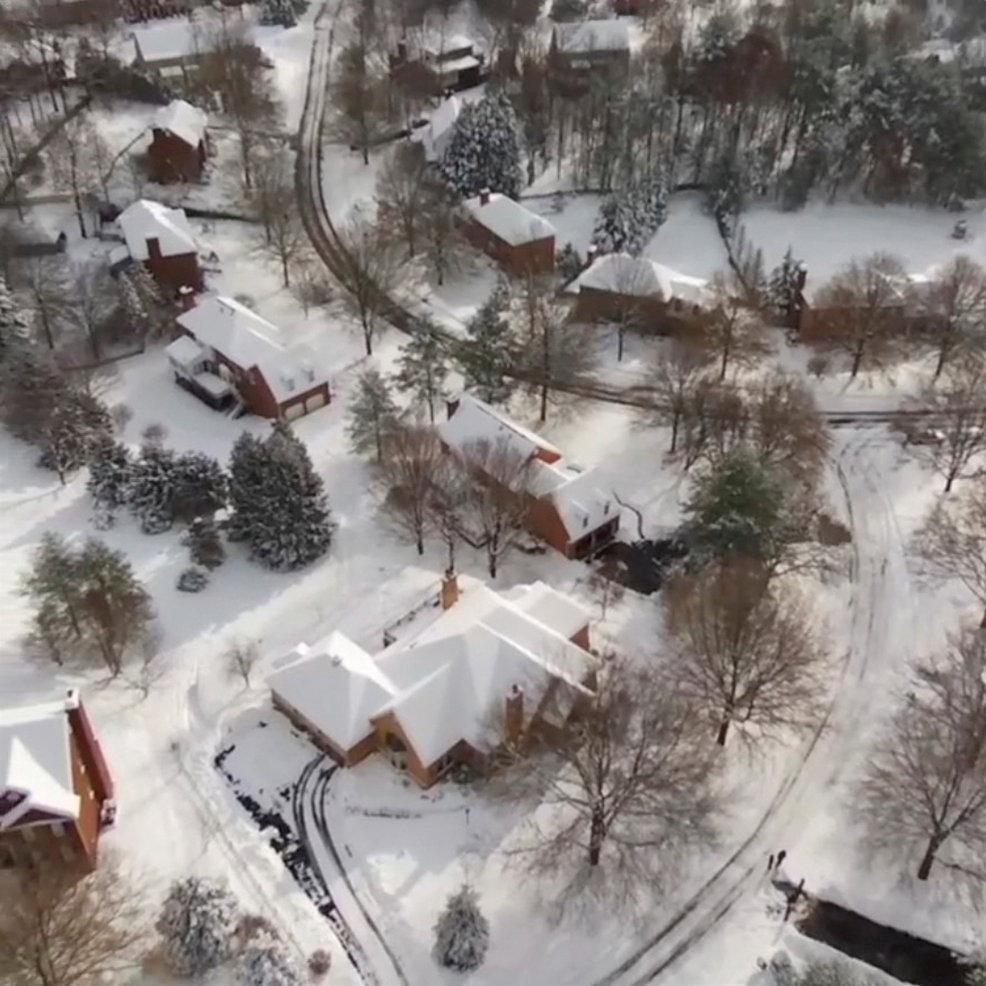 تساقط الثلوج بسبب الموجة الباردة فى أمريكا (6)