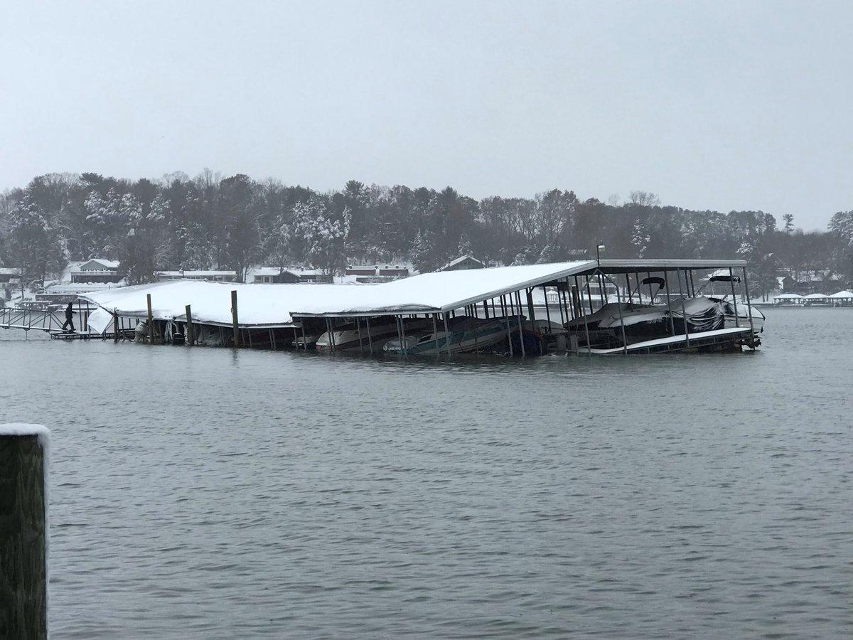 تساقط الثلوج بسبب الموجة الباردة فى أمريكا (4)