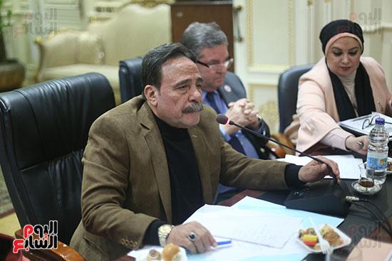 صور لجنة القوى العاملة (2)