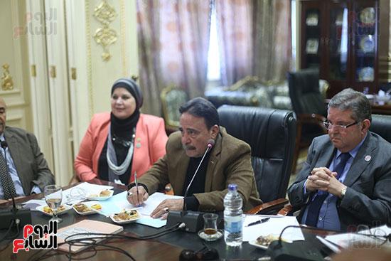 صور لجنة القوى العاملة (4)