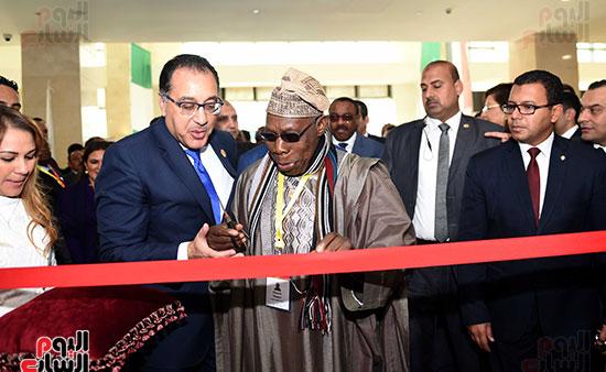 رئيس الوزراء يفتتح فعاليات المعرض الأفريقى الأول للتجارة البينية (24)