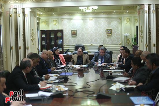 صور لجنة القوى العاملة (1)