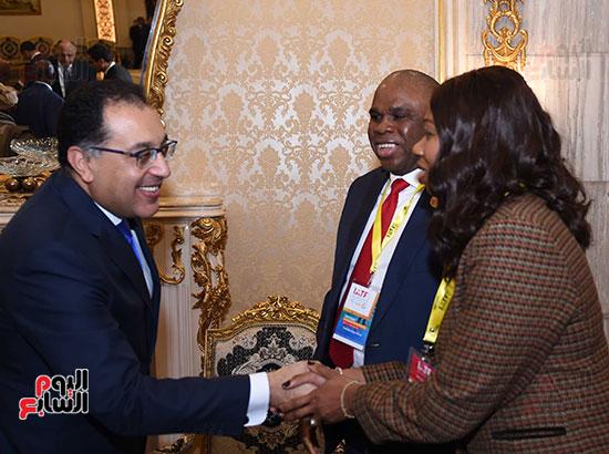 رئيس الوزراء يفتتح فعاليات المعرض الأفريقى الأول للتجارة البينية (4)