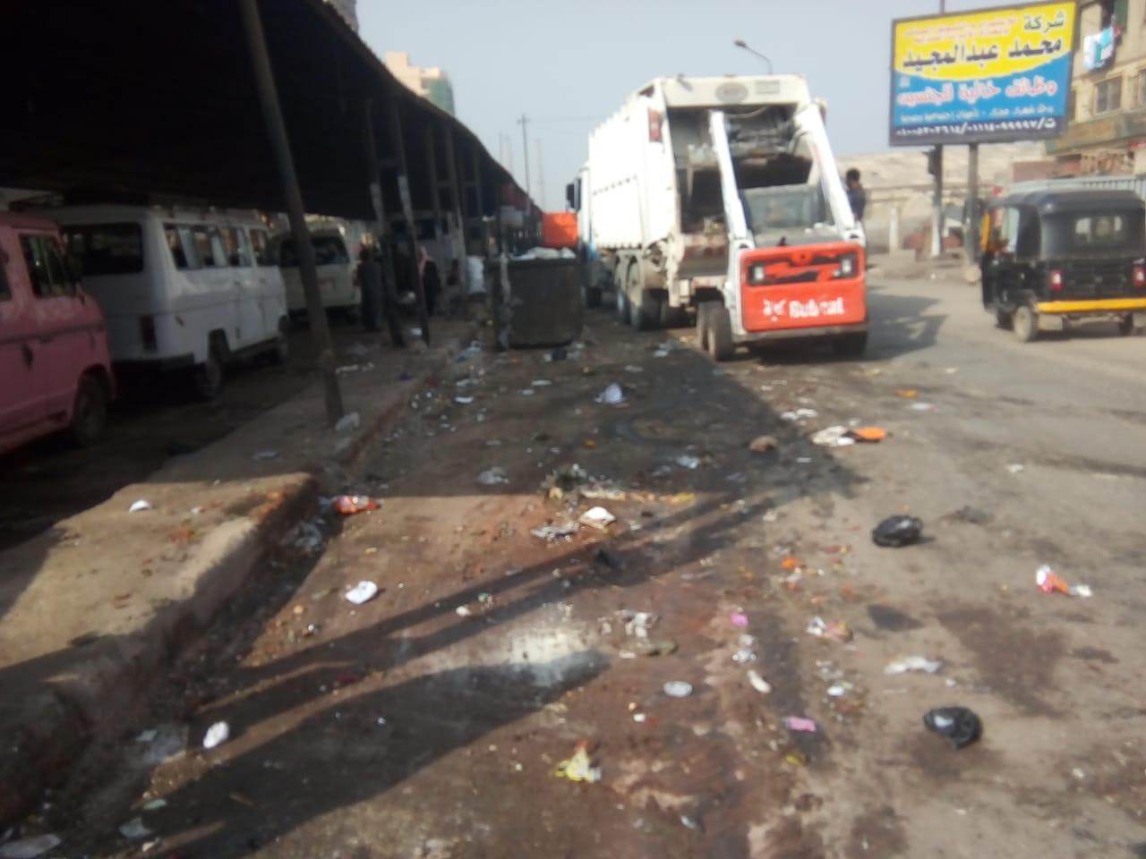 رفع القمامة من شارع عرابى بشبرا الخيمة (20)