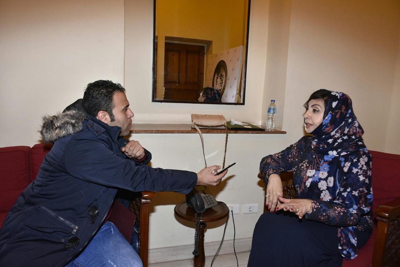 محرر اليوم السابع مع الكاتبة السعودية أميمة الخميس (2)