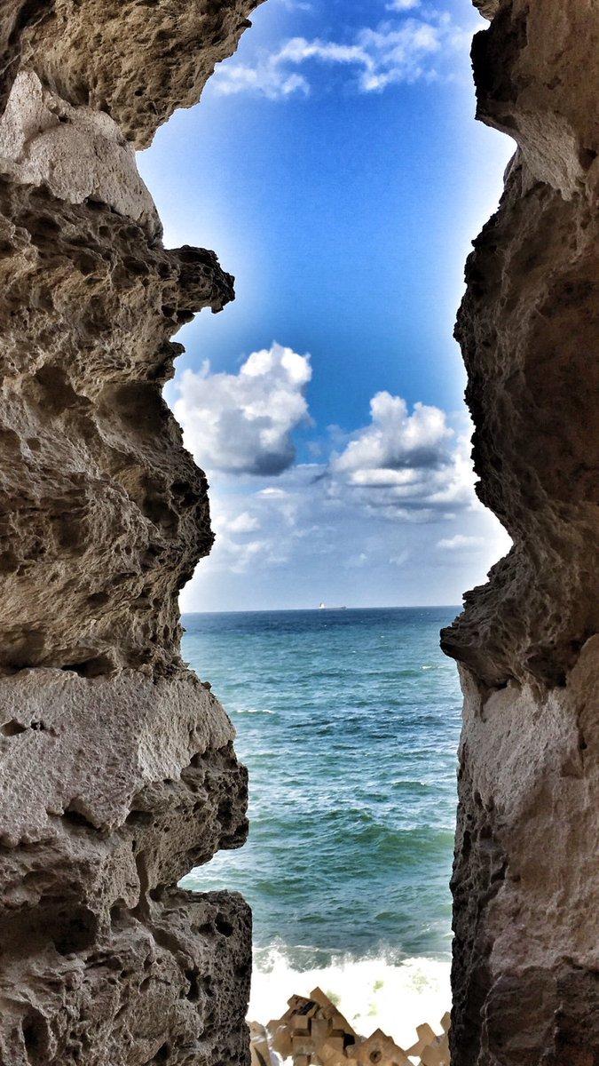 بحر الاسكندرية والصخور