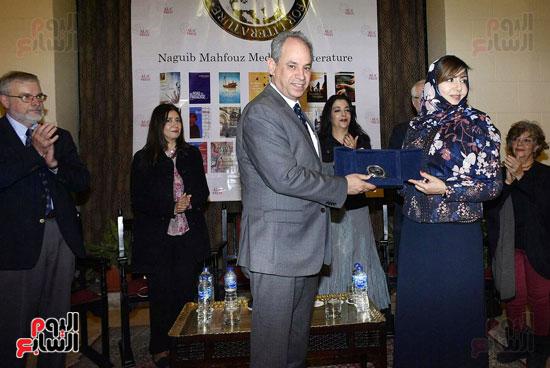 جائزة نجيب محفوظ فى الأدب (32)