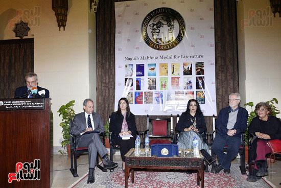 جائزة نجيب محفوظ فى الأدب (11)