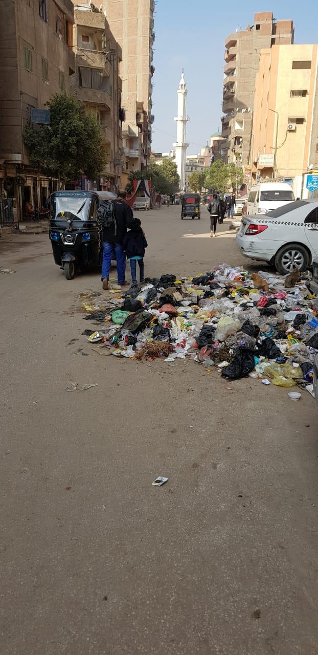 القمامة فى منطقة أثرية بميدان المسلة القديم فى المطرية (3)