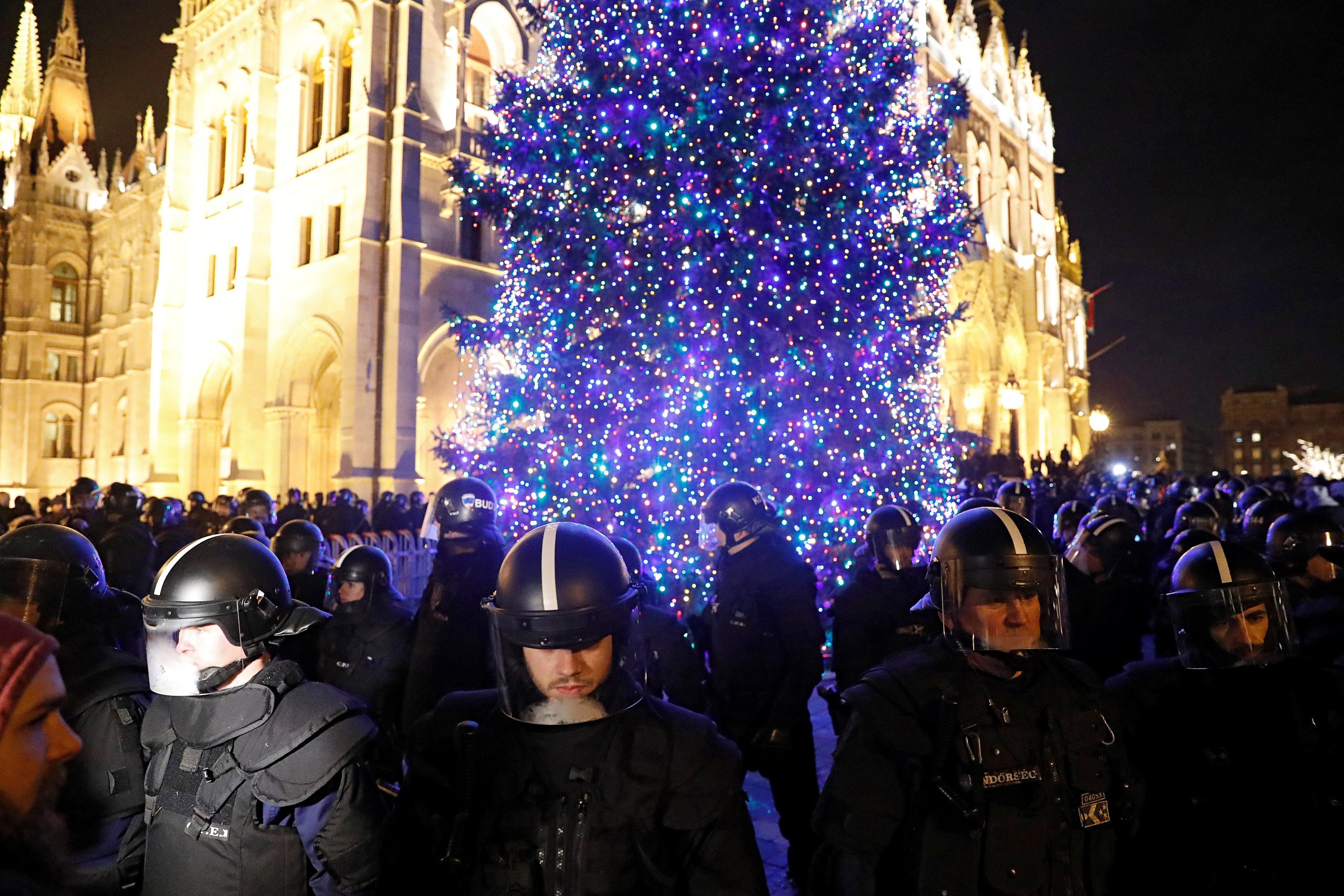 احتجاجات فى المجر ضد قانون العمل الجديد (5)