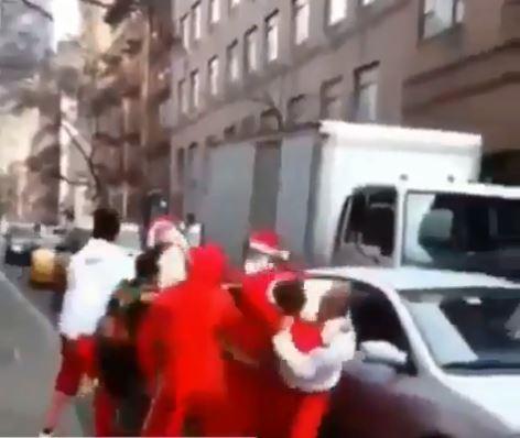 سانتا كلوز يعطل المرور