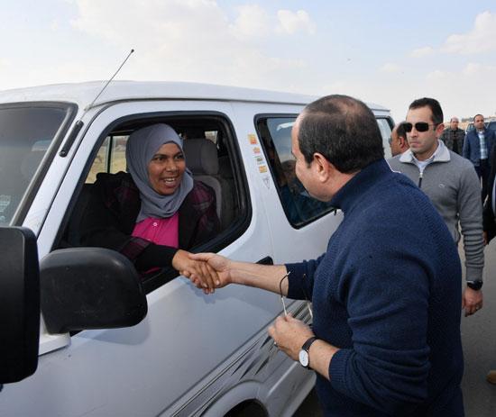 صور السيسى يتفقد مشروعات العاصمة الإدارية الجديدة (16)
