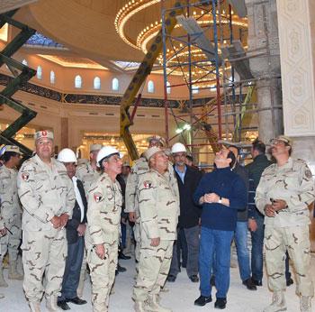 صور السيسى يتفقد مشروعات العاصمة الإدارية الجديدة (9)