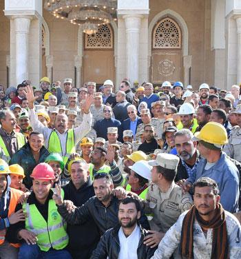 صور السيسى يتفقد مشروعات العاصمة الإدارية الجديدة (12)