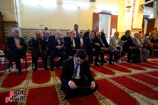 صلاة الجنازة لإبراهيم سعده (2)