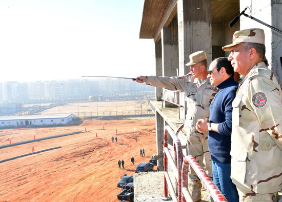 صور السيسى يتفقد مشروعات العاصمة الإدارية الجديدة (7)
