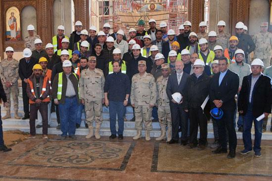 الرئيس يتفقد مشروعات المدينة الجديدة و كاتدرائية ميلاد المسيح  (3)