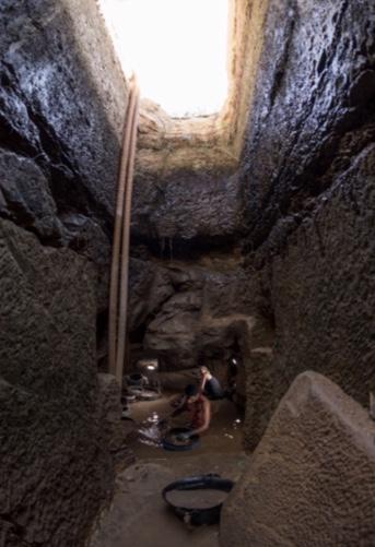 المقبرة المكتشفة (1)