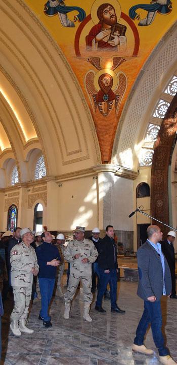 الرئيس يتفقد مشروعات المدينة الجديدة و كاتدرائية ميلاد المسيح  (8)