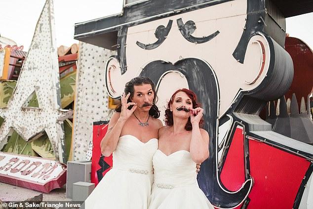 بريطانى يرتدى فستان فرح بزفافه (3)