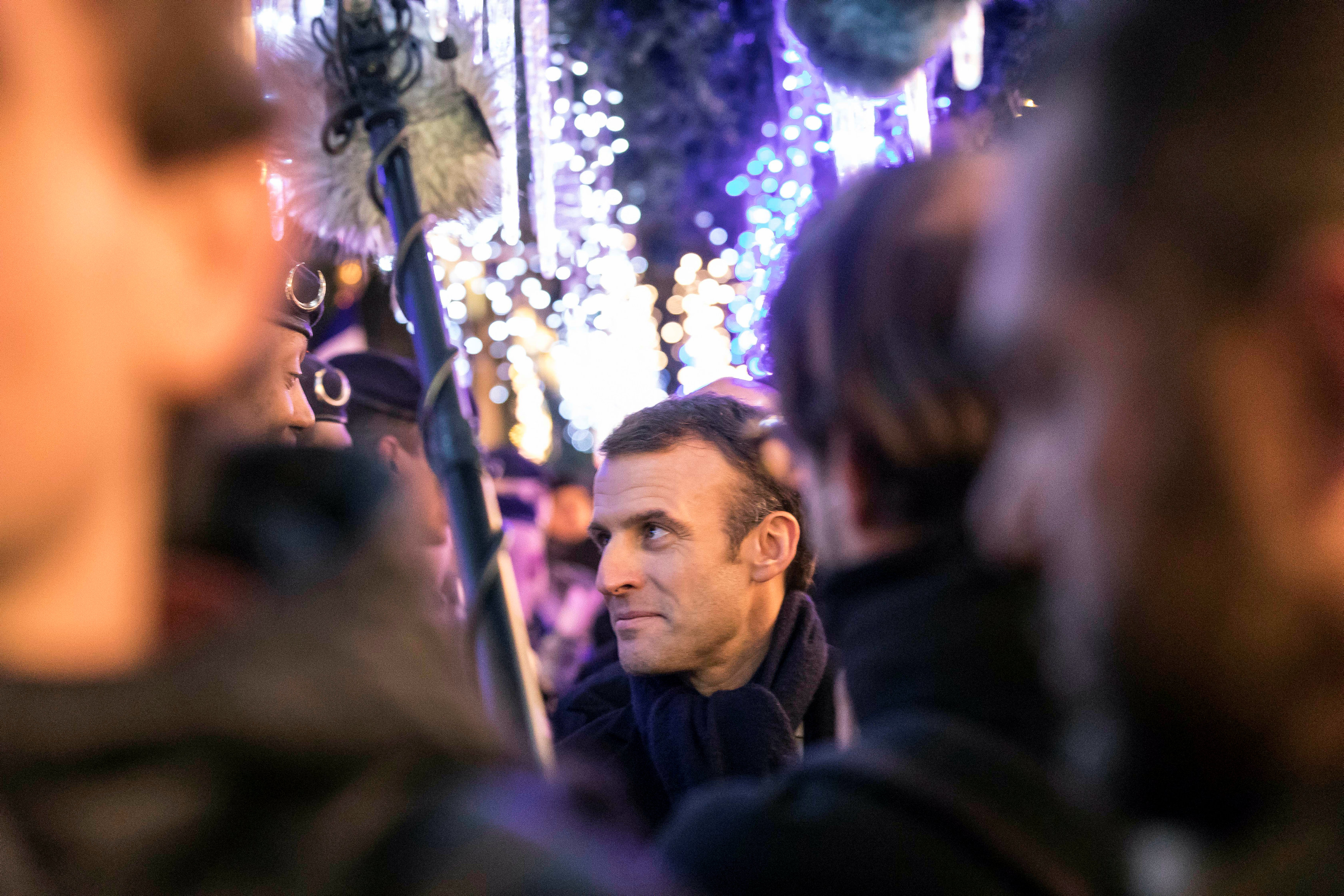 2018-12-14T201256Z_1737279034_RC16324A8BF0_RTRMADP_3_FRANCE-SECURITY-MACRON-CHRISTMAS
