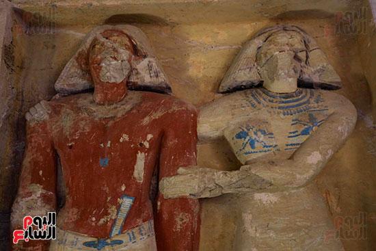 اكتشاف مقبرة بالهرم (34)