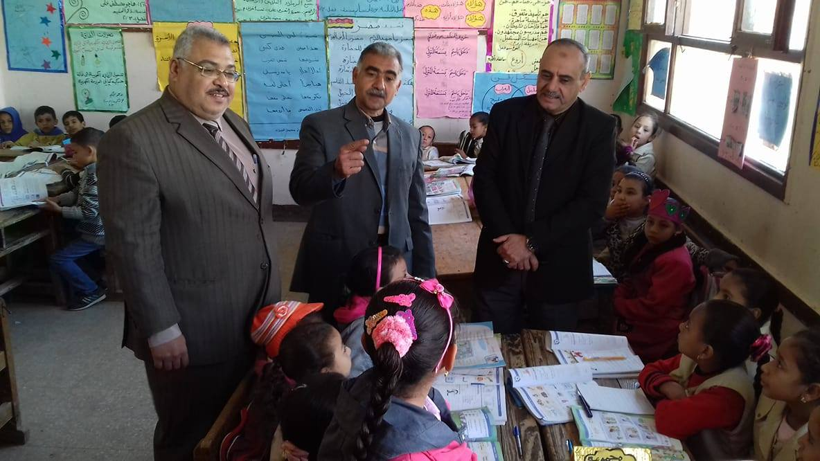 الكشف على طلاب المدارس بسوهاج (2)